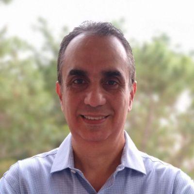 دکتر مویزس لوی - اومدیا [400 px].jpg