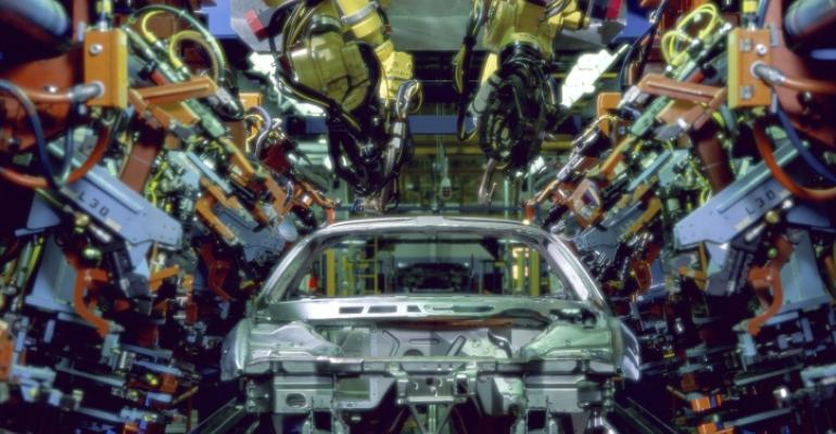 Will the Industrial Internet of Things catalyze  Hybridized Workforce