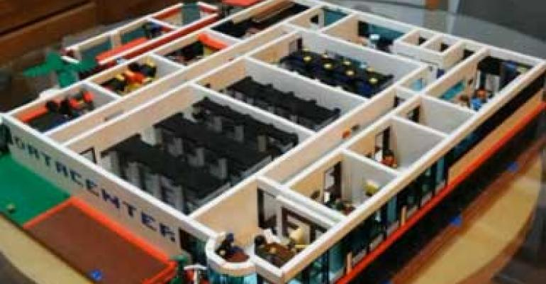 Video: Amazing LEGO Data Center