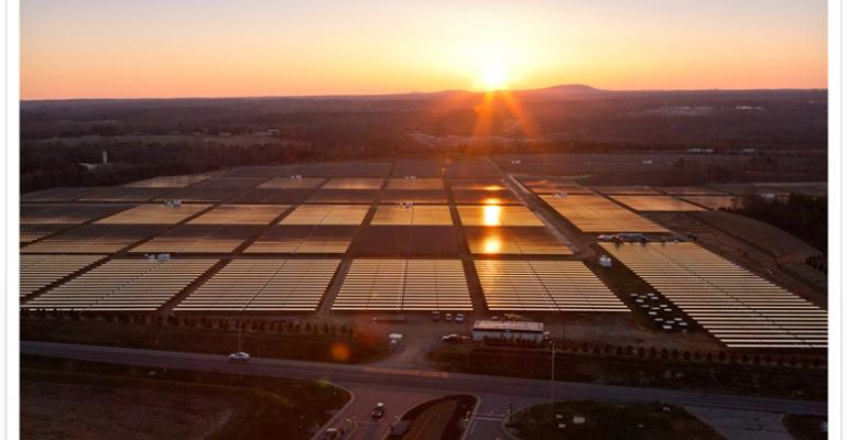Flyover: Apple's Massive Solar Array for the iDataCenter