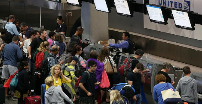United Airlines Grounds Flights Due to IT Issues