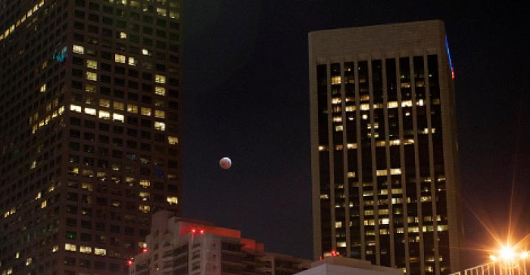 UPDATE: Explosion in Downtown Los Angeles Disrupts Data Center Operations