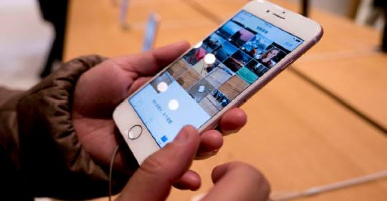 Apple Chip Choices May Leave Some IPhone Users in Slow Lane