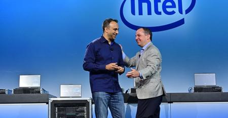Intel CEO Bob Swan (right), and Navin Shenoy, Intel executive VP and general manager of the Data Center Group, speaking at an Intel event in San Francisco on April 2, 2019