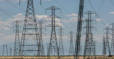 Electrical power lines near Buttonwillow, California
