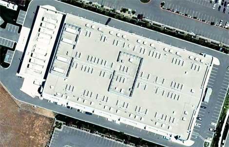 An aerial view of the Apple data center in Newark, Calif. The company is said to be planning to add a major East Coast data center.
