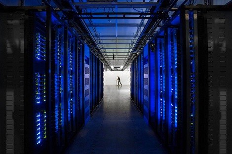 Data hall at Facebook's Altoona data center. (Photo: @2014 Jacob Sharp Photography)