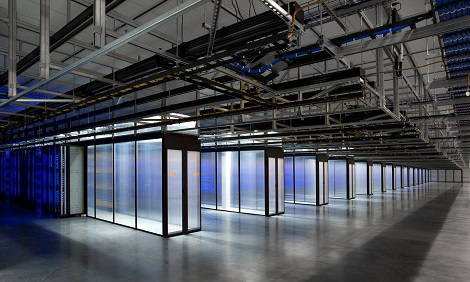 Hot aisles in a data hall at Facebook's Altoona data center. (Photo: @2014 Jacob Sharp Photography)